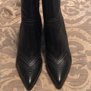 Donald Pliner ankle boot